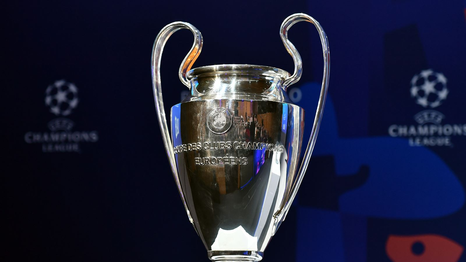 Des matches de Champions League et d'Europa League et la Ligue 1 Conforama sont suspendus